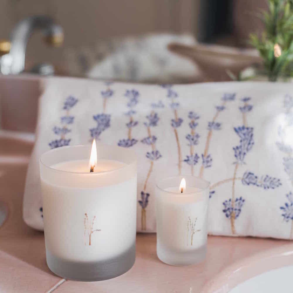 Elizabeth Scarlett Lavender and Rustic Herb Candle