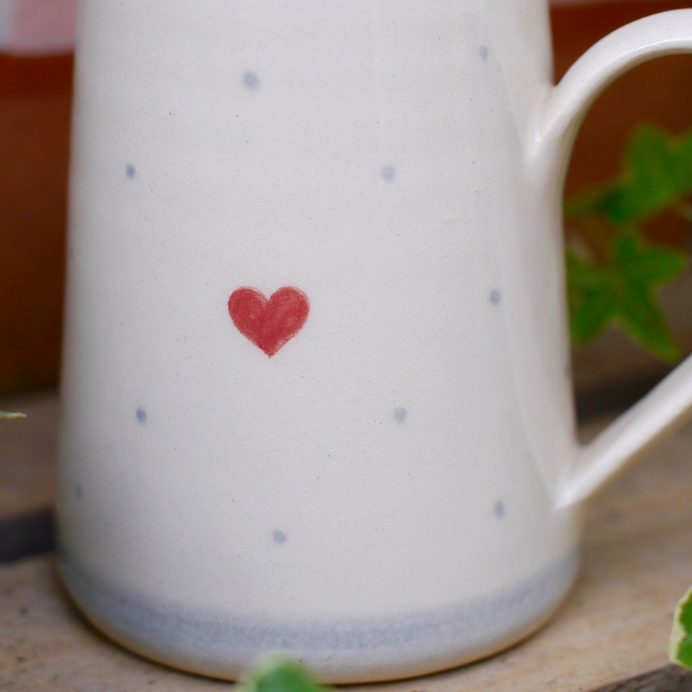 The lovely small jug featuring a heart and polkadot design.