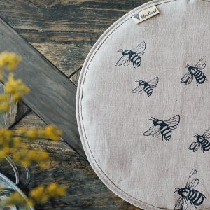 Helen Round Natural Linen Fabric Aga Toppers - Honey Bee design