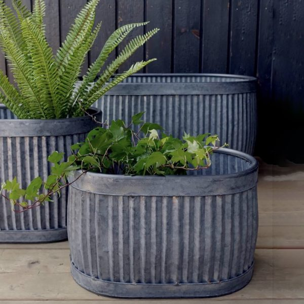 Fey Hortus Oval Ribbed Dolly Planters